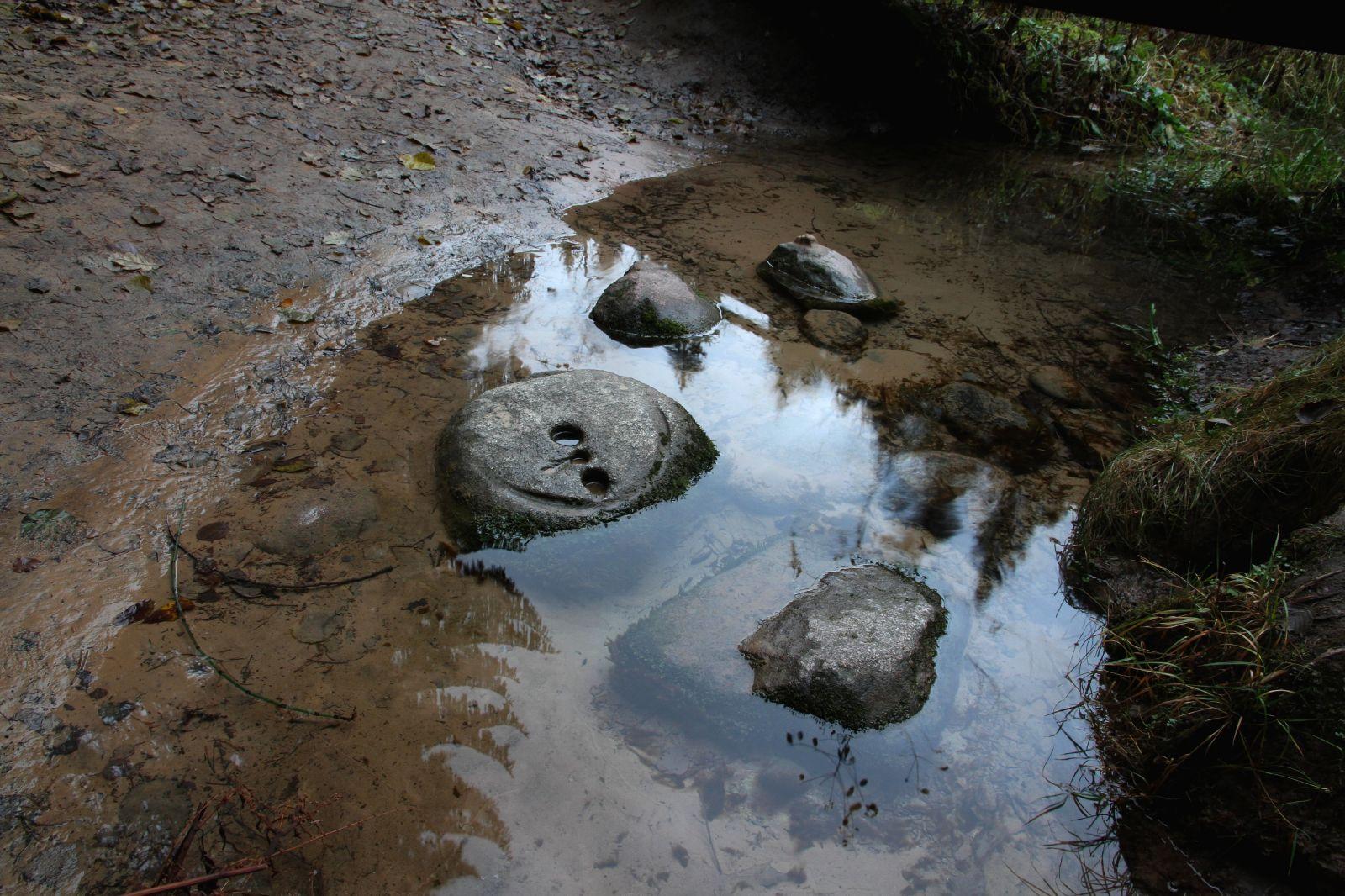 Kivid ohvriallikas