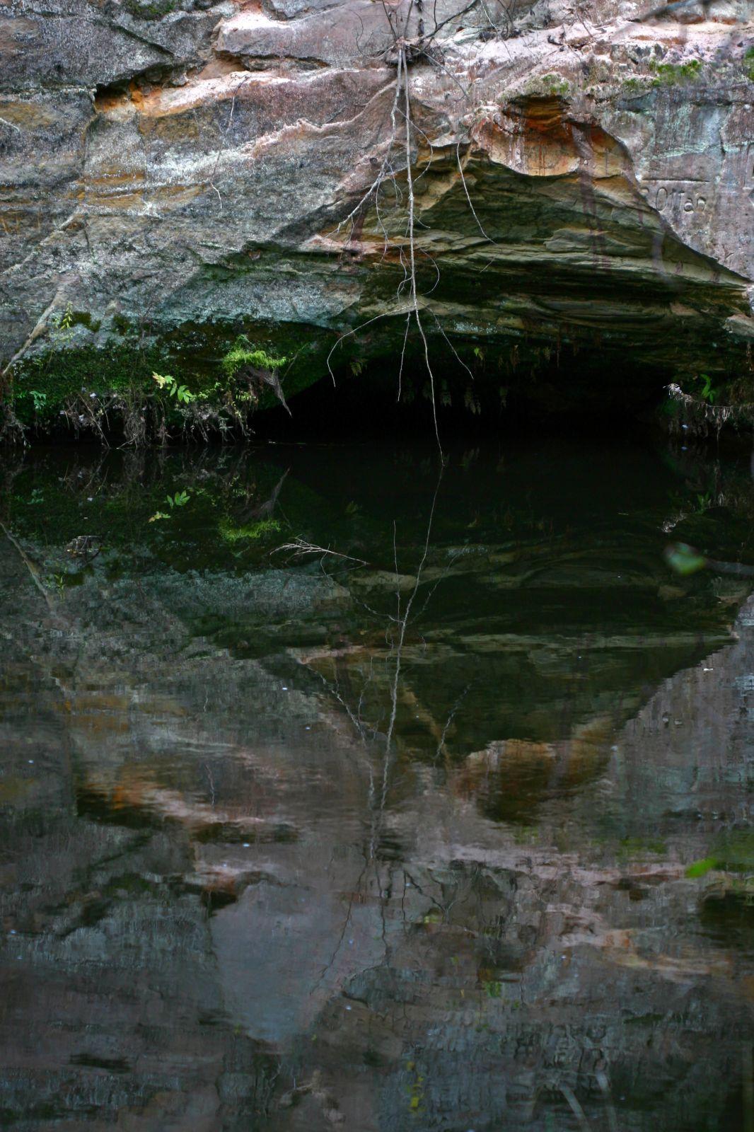 Liivakivipaljand ja jõgi