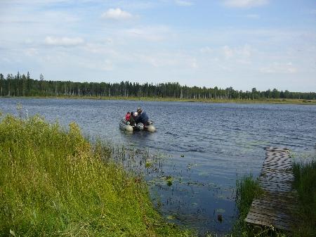 Добраться до монастыря можно только по воде