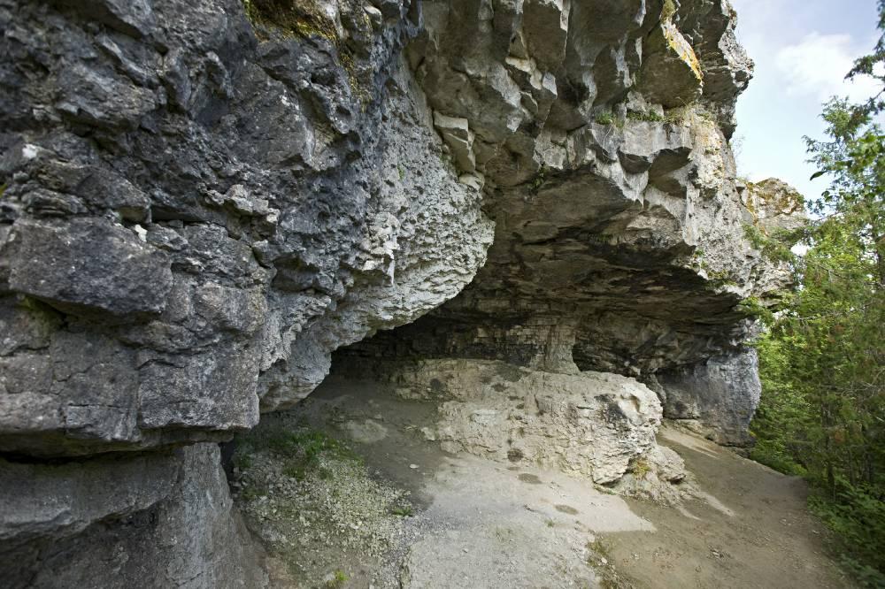 Üügu panga koobas