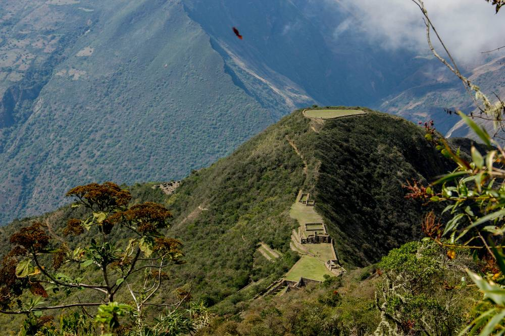 Choquequirao: in the protection of the Apus