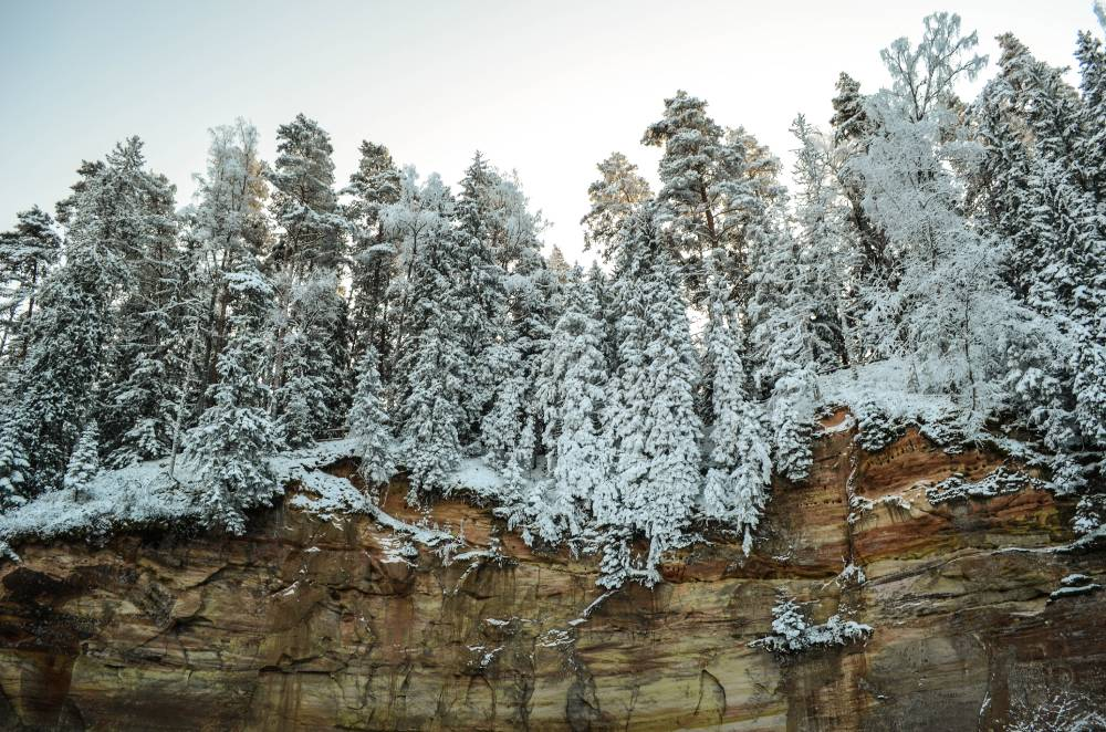 Taevaskoja liivapaljand talvekatte all