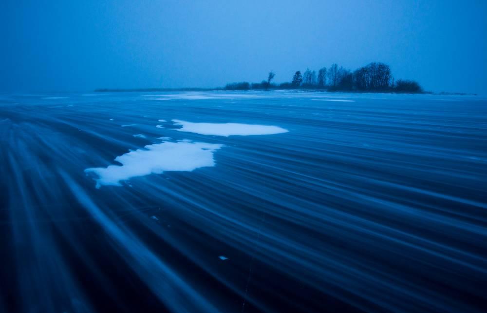 Tondisaar läbi lumetuisu..